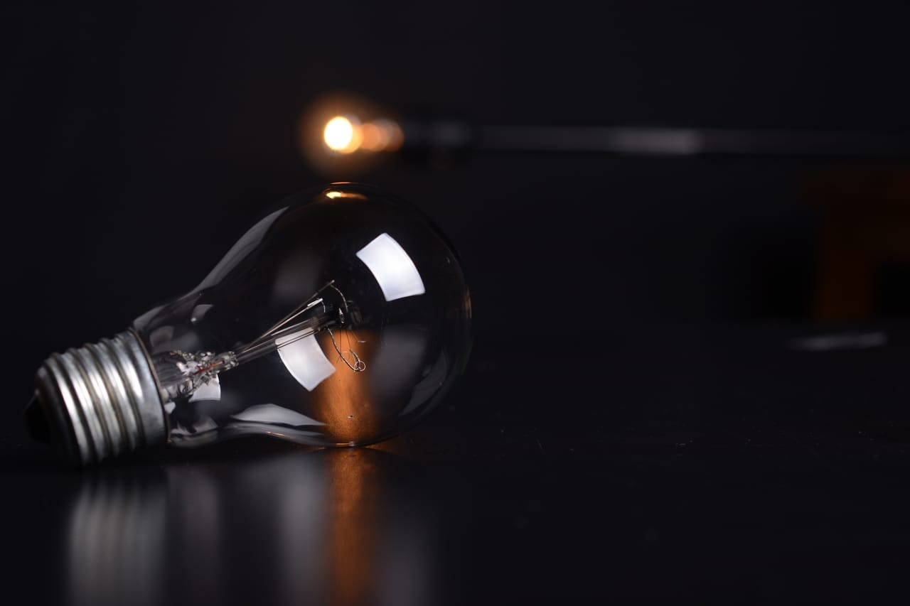 lightbulb-without-power