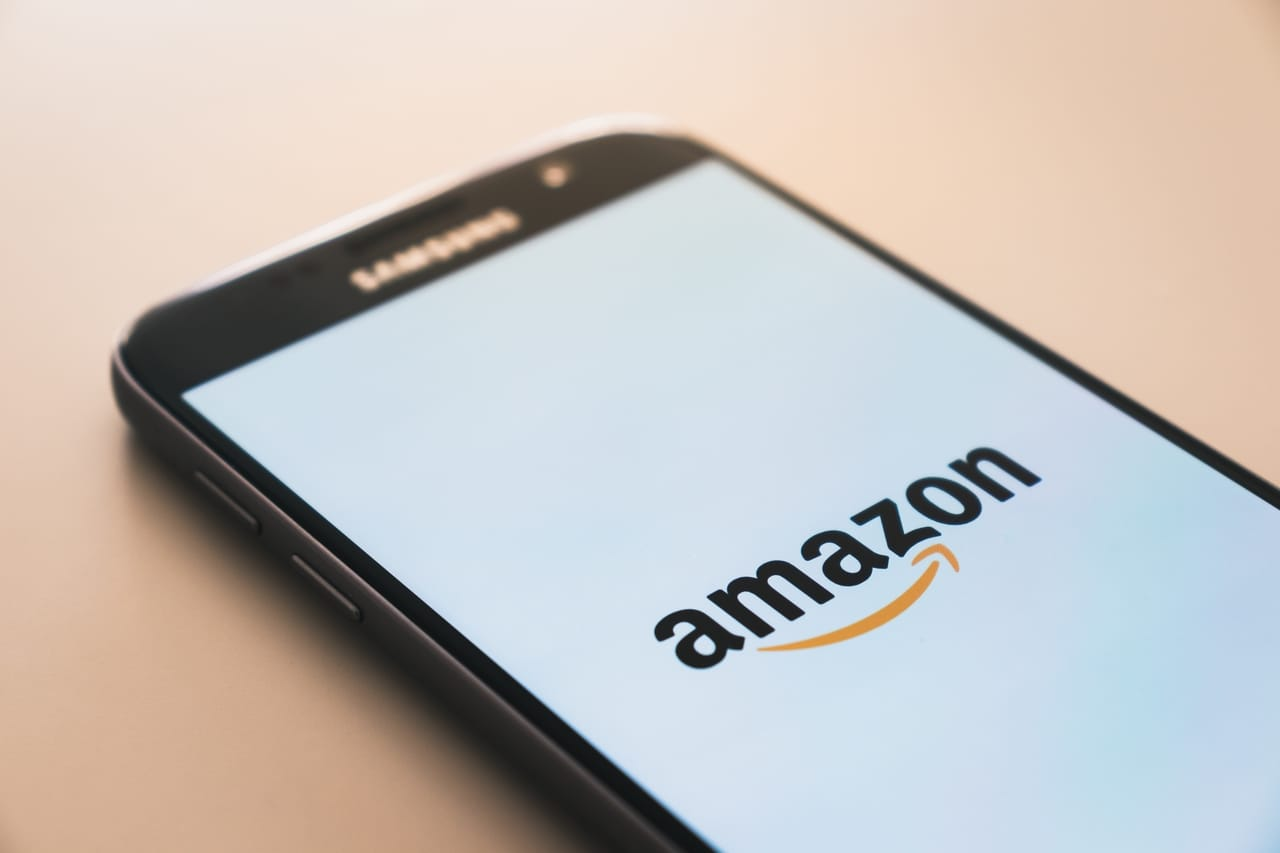 amazon-logo-on-cell-phone