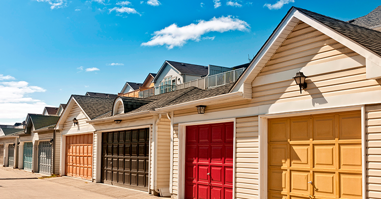 Warning Signs That A Garage Door Repairman Canu0027t Be Trusted