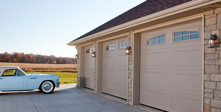 des-moines-residential-garage-door-and-car