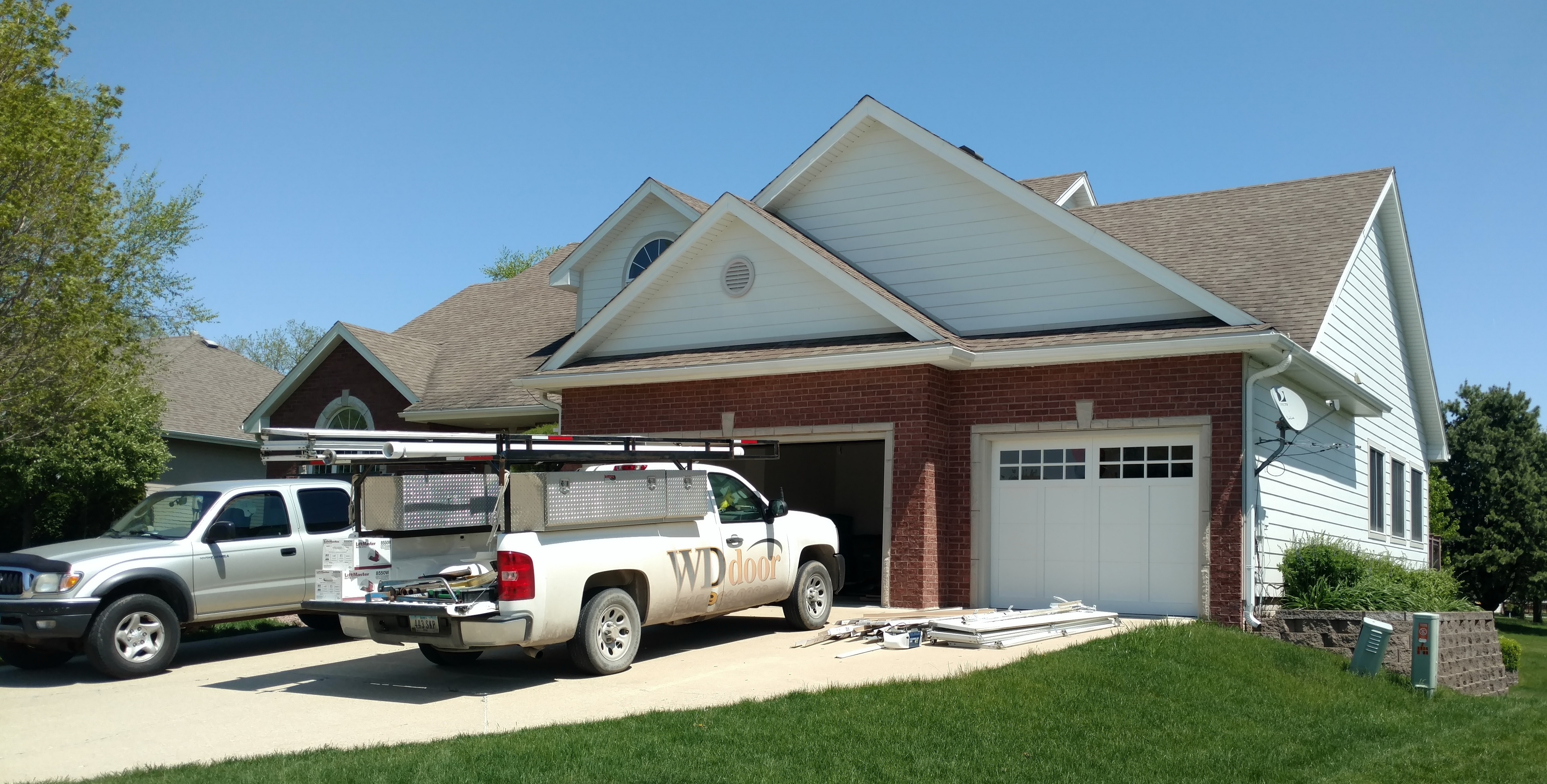 WD_Door_residential_garage_door_installation-456756-edited.jpg