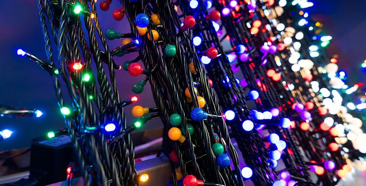 How To Hang Christmas Lights On Your Garage